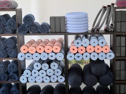 yogamatjes en accessoires - Sarat's Paripoorna Yoga Huis Aalst